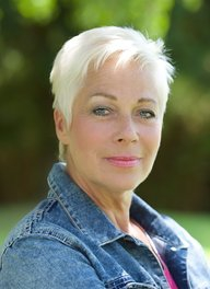 Image of Denise Welch
