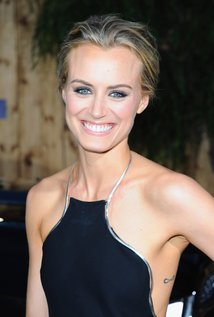 Image of Taylor Schilling